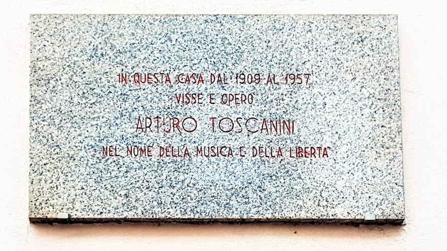 Targa in ricordi di Toscanini