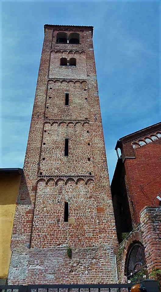 torre campanaria chiesa di baggio