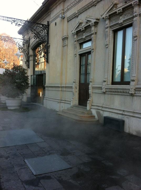 della facciata della ex-stazione funebre