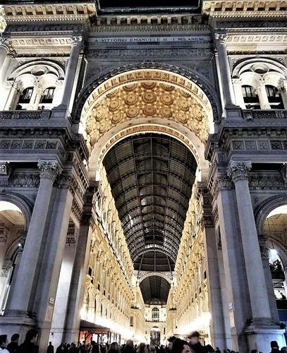 Ingresso da piazza Duomo della Galleria