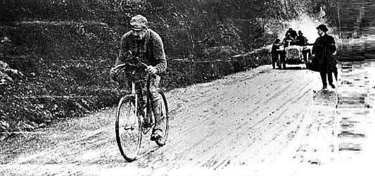 Luigi Ganna al primo Giro d'Italia nel 1909