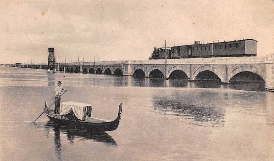 Ponte della ferrovia sulla Laguna di Venezia