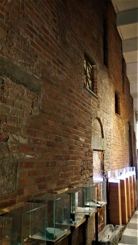 parete perimetrale della chiesa di San Donnino