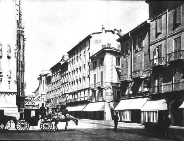 Negozio f.lli Bocconi (angolo via Santa Radegonda)