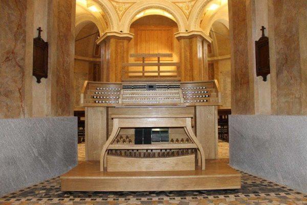L'organo della chiesa di San Carlo al lazzaretto