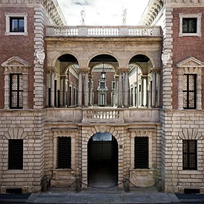Palazzo Bagatti Valsecchi , via Santo Spirito