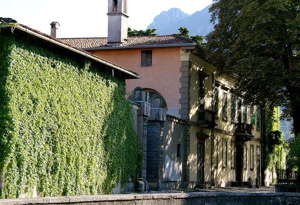 Villa dei nonni Manzoni a Caleotto (LC)