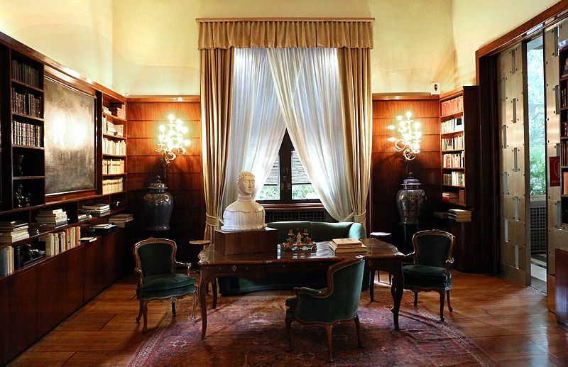 Un angolo della biblioteca