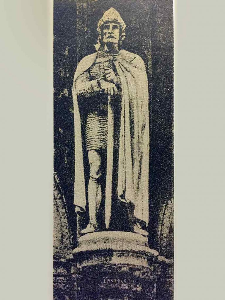 Statua di Lanzone da Corte Galleria Vittorio Emanuele