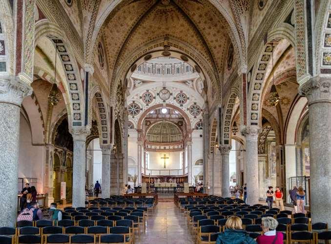 Interno della basilica di santa Maria delle Grazie