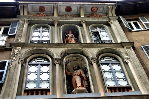 Dettaglio facciata Teatro Ex-Fossati lato Coso Garibaldi