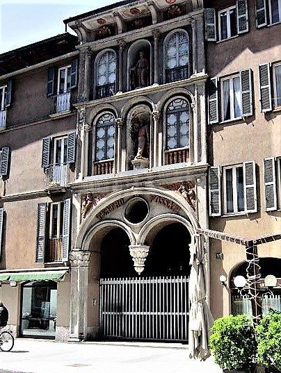 Facciara ex-Teatro Fossati lato Corso Garibaldi