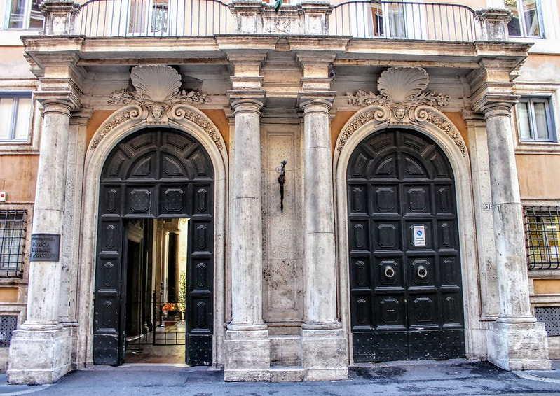 Portoni Palazzo Rondinini - via del Corso- Roma